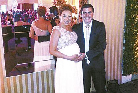 /Nicole Justiniano Y Cristian Méndez. tienen un hijo, emanuel (2 años) y  actualmente ella está con tres meses de gestación