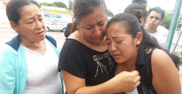 Los familiares de la menor asesinado en inmediaciones de la Felcc, piden a la justicia condena máxima para el responsable de la muerte de Mayte