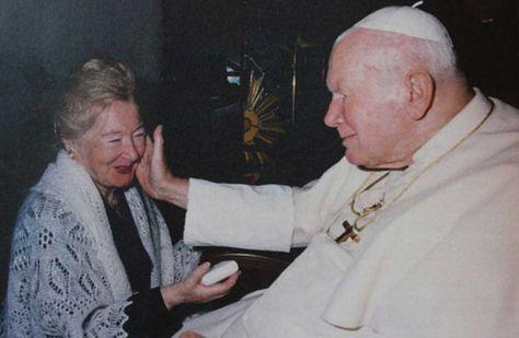 El papa Juan Pablo II en el Vaticano con Anna-Teresa Tymieniecka. Foto: BBC
