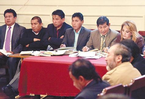 Cautelares. La audiencia de los 7 implicados se desarrolló ayer en el Tribunal de Justicia de La Paz.