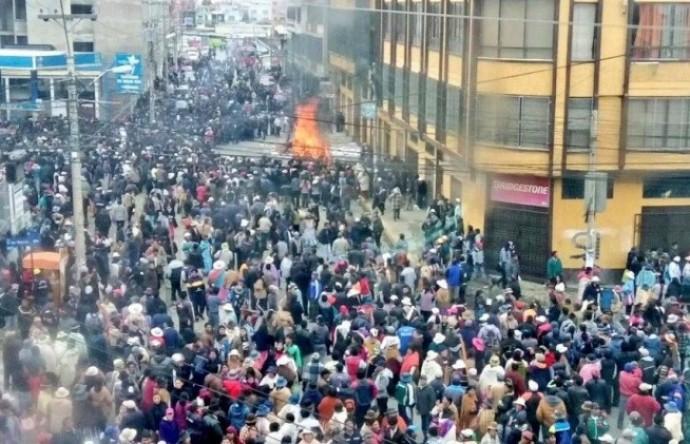 La quema del edificio de la Alcaldía de El Alto provocó seis muertos. Foto: Archivo
