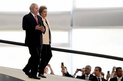 La justicia federal de Brasil suspendió hoy la asunción de Lula da Silva como jefe de la Casa Civil, en un fallo dado a conocer apenas 40 minutos después de haber asumido. AFP