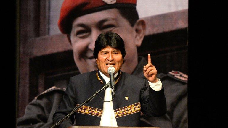 Denuncian a Evo Morales de censurar a cientos de radios en Bolivia