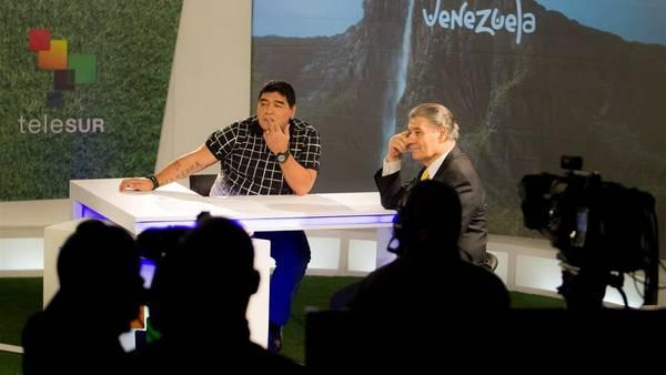 Diego Maradona tuvo un programa con Víctor Hugo Morales en la cadena Telesur (EFE)
