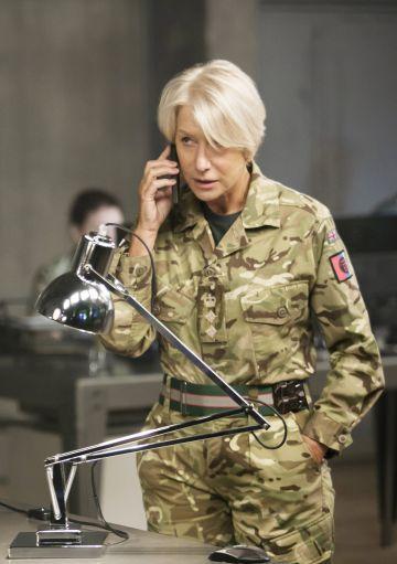 Helen Mirren durante el rodaje de 'Espías desde el cielo'.