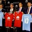 Equipo ejecutivo de Huawei con Lionel Messi como nuevo embajador global de la marca