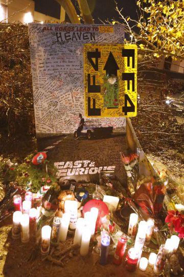 Uno de los múltiples homenajes rendidos a Paul Walker tras su muerte.