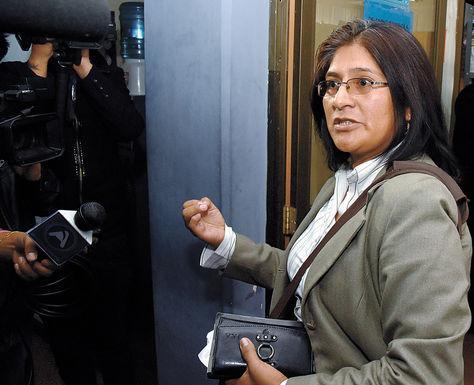 Audiencia. La jueza 12a de Instrucción en lo Penal, Jackeline Tintaya, entra a declarar ante fiscales.