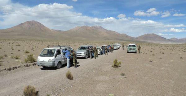 15 extranjeros fueron detenidos en el operativo, realizado por efectivos de Carabineros en la frontera compartida.
