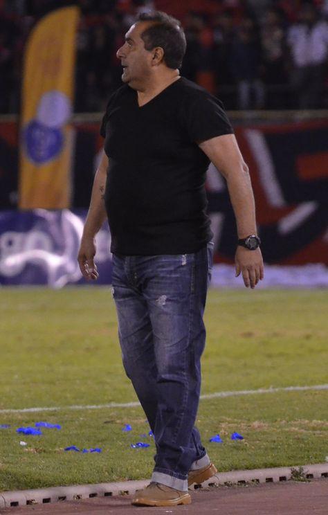 Julio Zamora, técnico del Wilstermann campeón