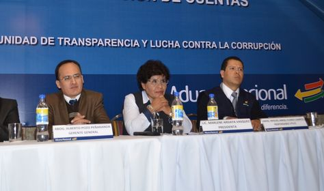 La presidenta de la Aduana Nacional de Bolivia, Marlene Ardaya, en conferencia de prensa. Foto: ANB