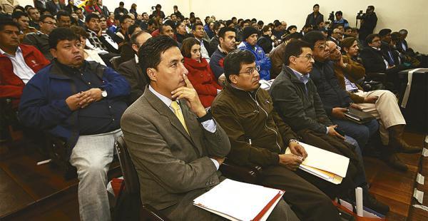Asistentes en la jornada de rendición pública de cuentas que tuvo lugar en dependencias de la ABT