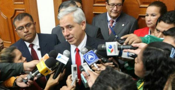 El vicepresidente brindó una conferencia antes de exponer los logros de Bolivia en el hotel Los Tajibos