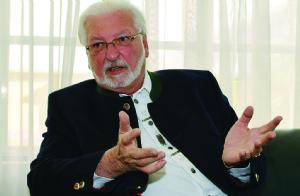 Peter Linder, el embajador que quiere volver a Bolivia en 25 años
