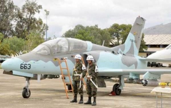 Ministro de Defensa propone que pilotos que renuncien devuelvan lo invertido en su formación