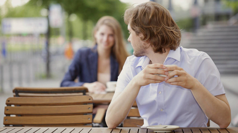 Foto: Más seguro que intentar ligar en una cafetería. (iStock)