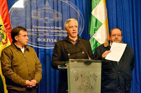 El vicepresidente Álvaro García Linera durante la conferencia de prensa que ofreció tras la reunión con la COB. Foto: ABI