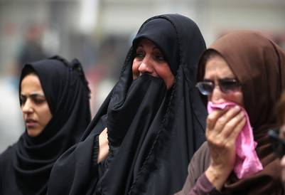 Iraquíes desconsolados por los ataques terroristas del ISIS en el centro de Bagdad. AFP - AHMAD AL-RUBAYE