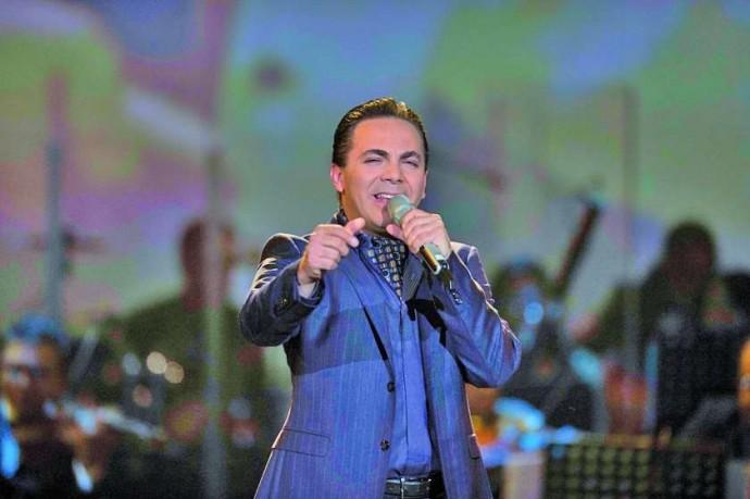 Cristian Castro cantará para 9 mil personas