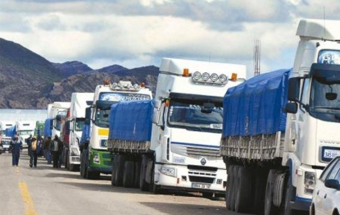 Alcaldía de Arica habilitará terreno para que sirva de garaje a camiones bolivianos