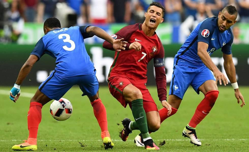 Cristiano, tras sufrir la entrada de Payet.