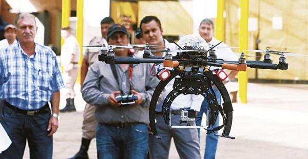 Este es el dron que debió ir a manos de la Alcaldía, pero el contrato fue cuestionado