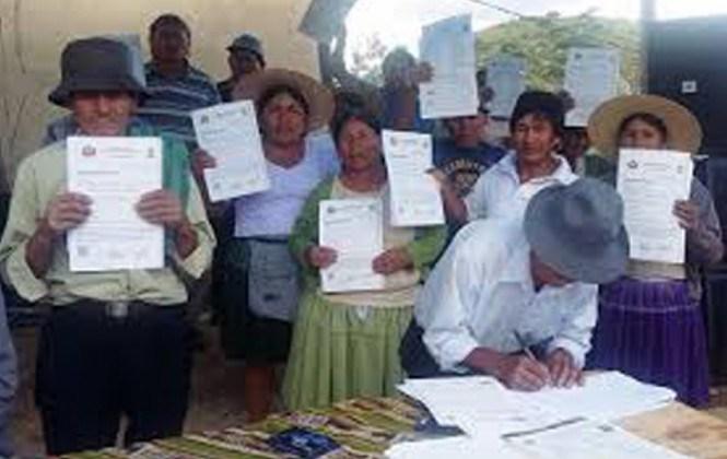 INRA entrega 4.156 certificados catastrales y 61 títulos ejecutoriales en Cochabamba