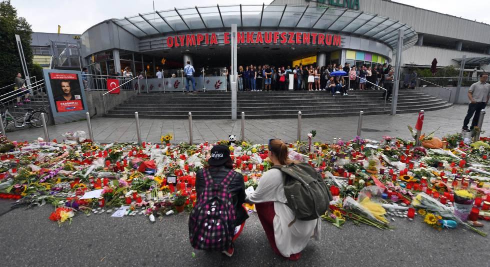 Flores y velas en homenaje a las víctimas en Munich