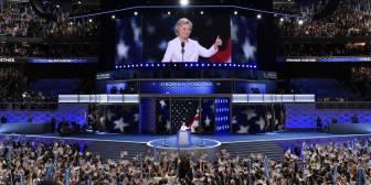 """Hillary Clinton promete un """"liderazgo firme"""" en un """"momento decisivo"""""""