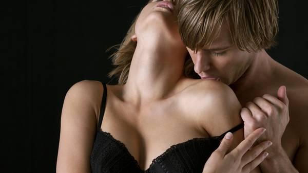 pareja-sexo-sensualidad-amor-romanticismo_CLAIMA20150323_4166_27