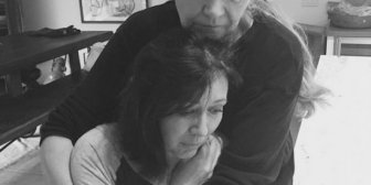 Shannen Doherty se afeita la cabeza en su lucha contra el cáncer