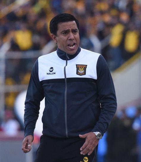 El técnico de The Strongest, César Farías.