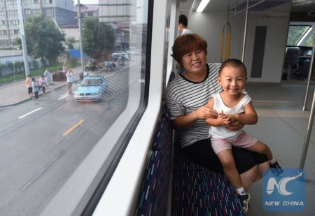 Straddling Bus China 6
