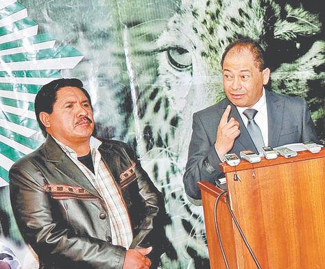 ´viaje. El viceministro Felipe Cáceres y el ministro de Gobierno, Carlos Romero, expondrán en Austria. Foto: Wara Vargas