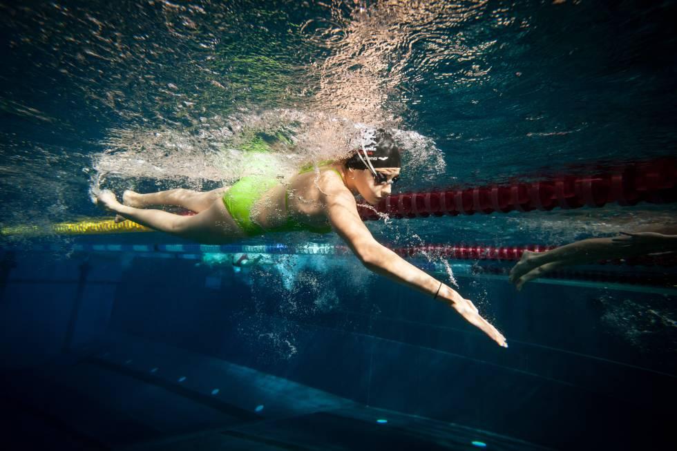 Yusra Mardini, nadadora siria, durante una sesión de entrenamiento en el el club de natación Wasserfreunde Spandau 04 de Berlín.