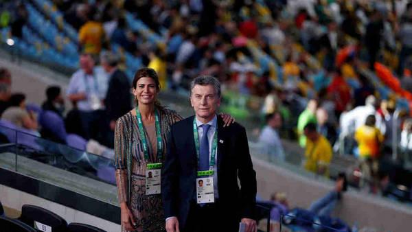 Ceremonia inaugural. Mauricio Macri y la Primera Dama, Juliana Awada, en el estadio Maracaná. (Lorena Lucca)