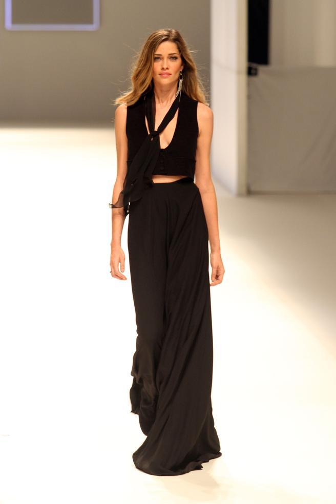 Ana Beatriz Barros desfilando para Mango en la 080 Barcelona Fashion