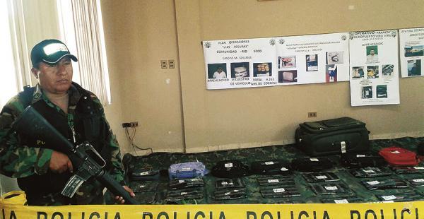 La droga confiscada fue presentada ayer en la oficina central de la Felcn. La sustancia será incinerada próximamente, dijo Claure