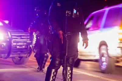 """Policías mexicanos durante operativos de seguridad. Uno de los hijos del recapturado capo Joaquín """"El Chapo"""" Guzmán, Jesus Alfredo Guzman Salazar, fue secuestrado por un grupo armado. AFP"""