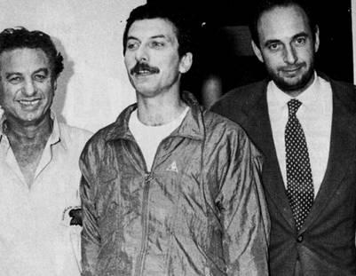 Una de las conocidas fotos, tras la liberación de Macri. (Archivo)