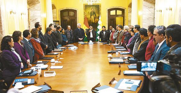 El actual gabinete fue posesionado en enero de 2015 y en los diez años de Gobierno es el que más duró