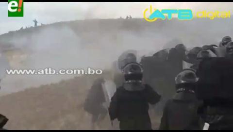 Video muestra cómo policías fueron atacados con dinamita por mineros