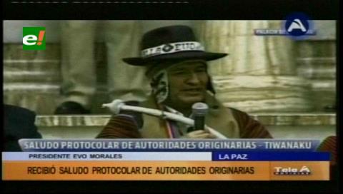 Evo recibió el saludo protocolar de autoridades originarias en el Palacio de Gobierno
