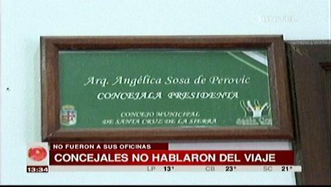 Concejales Sosa y Sucre no hablaron del viaje a Europa, no fueron a sus oficinas