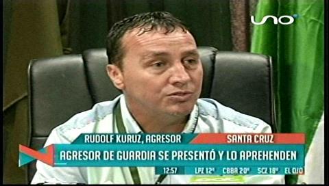 Santa Cruz. El funcionario agresor se presenta, pide disculpas y es arrestado