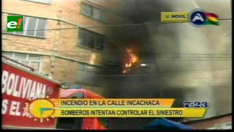 Incendio de magnitud se registra en la zona comercial Uyustus de La Paz