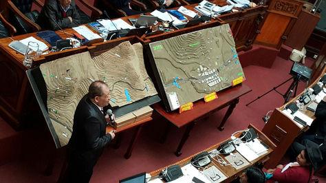 Romero explica al pleno del legislativo el Plan de Operaciones de la Policía en el conflicto minero
