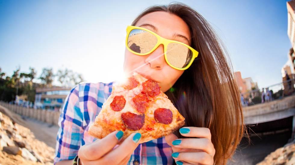 ¿Se puede perder peso comiendo pizza?