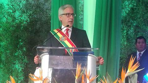 El vicepresidente Álvaro García Linera durante la sesión de honor sesión de honor por los 206 años de gesta libertaria de Santa Cruz. Foto: @VPEP