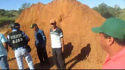 Santa Cruz: Operativo en Pedro Lorenzo por extracción ilegal de arcilla